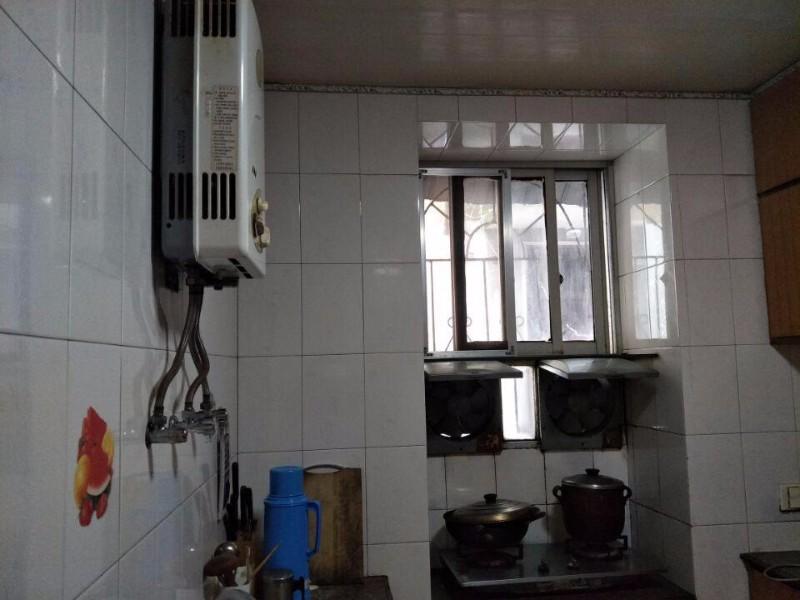 人民路 人民路市立医院附近 1室 1厅 45平米 出售