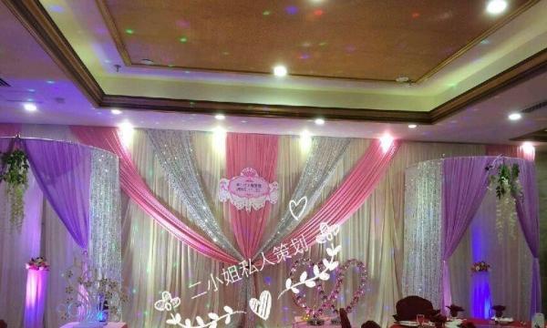 婚纱摄影,婚礼策划,花车,花妆,跟拍
