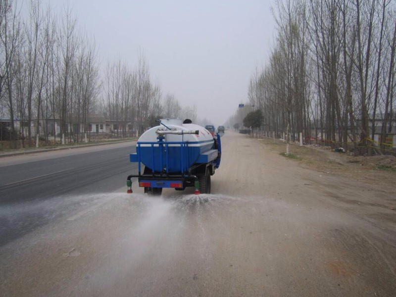 潍坊哪里有卖二手小型洒水车的