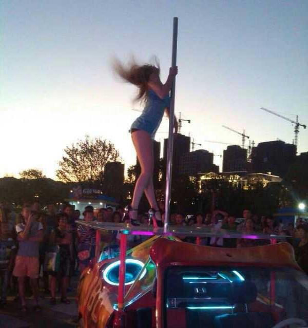 钢管舞教练班,酒吧领舞,绸缎舞,吊环舞,空中舞蹈