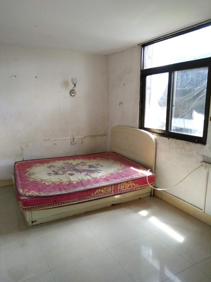 (租房)陆厝围,5楼,3房2厅(1间房较小),配套3个床陆厝围