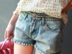 2015夏装新款女装 韩版精致蕾丝花边腰木耳边水洗磨白牛仔短裤