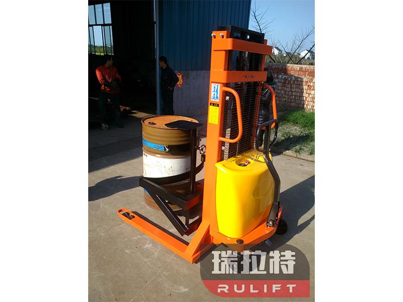 优质油桶车倒料车 买专业的油桶车当然是到泰兴市瑞拉特了