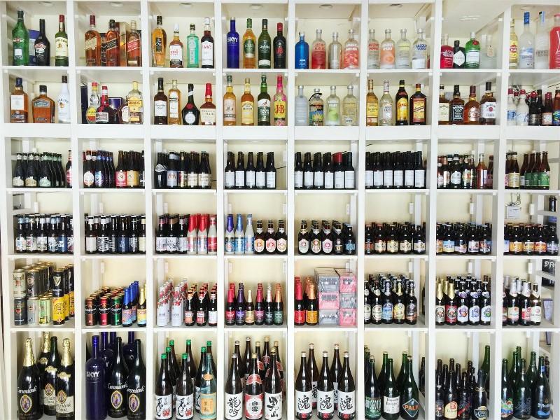 云南昆明进口啤酒红酒洋酒生啤及生啤设备批发零售经销加盟代理