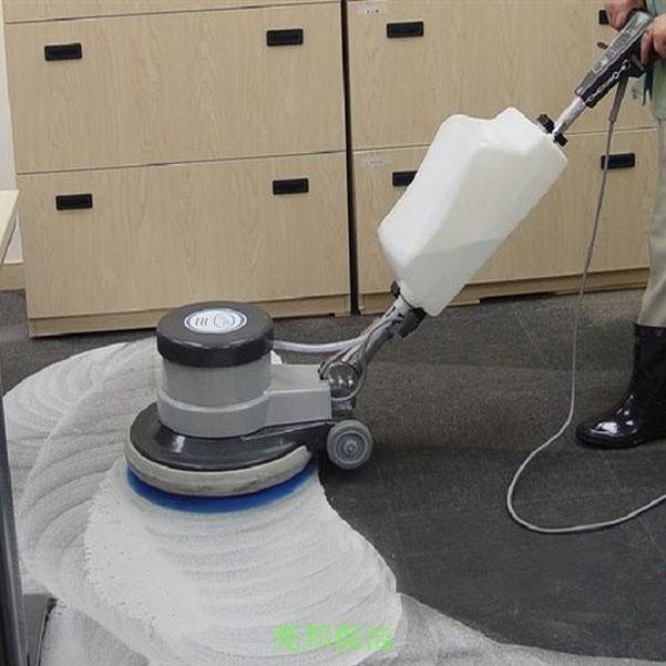 重庆北碚清洗地毯 专业大型机器清洗地毯