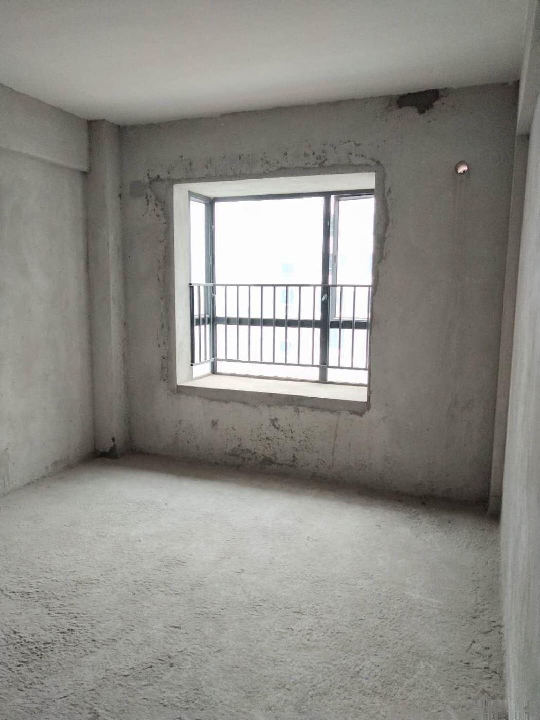 汉基花园113万,3室2厅2卫,毛坯126平方隆重出售!