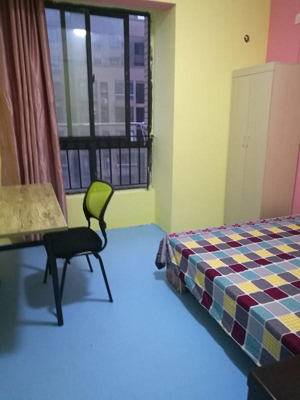 镜湖 万达安徽工程大学五院附近绿地优质单间房 厨卫齐全租