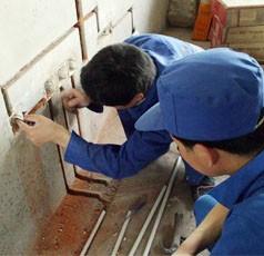 太原五龙口维修水龙头专业疏通安装马桶清理化粪除尿碱