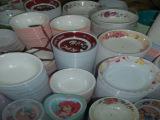 江湖地摊货源仿陶瓷碗 密胺碗 美耐皿仿瓷餐具 盘碗碟半价论斤卖