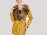 批发2013外贸新款时尚精品女装绵羊皮中长款收腰皮草外套貉子毛领