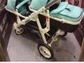 双胞胎婴儿推车