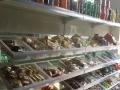 生意转让食品货架特价处理