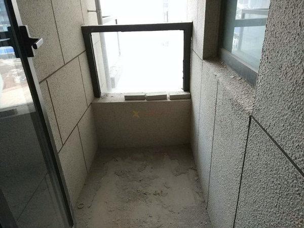 光谷东/国采光立方/81平2居/145万随时看房/毛坯新房/