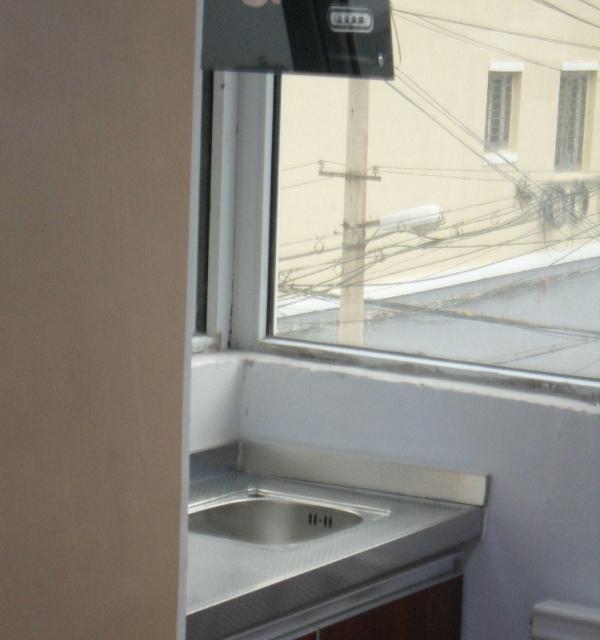 桂林路独立厨卫包水电网 液晶电视 壁纸地板 能洗澡做饭