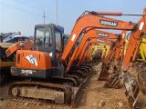 滨海新区当地二手60挖掘机 小松60 70 80小型挖土机精