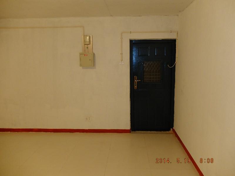 燕郊 半地室出租150元可做库房使用