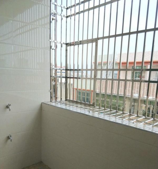 出租建设路新单间、二房一厅、三房一厅,可配家私。
