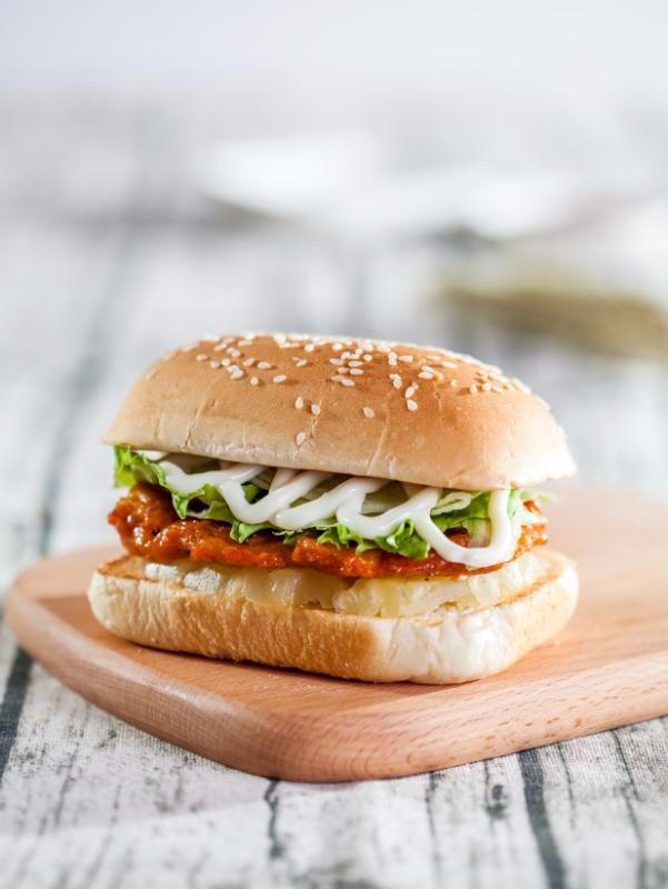汉堡包店加盟 日卖3000份左右月入8万