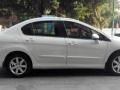 2013款标致4081.6L 自动舒适版