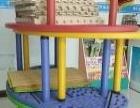 幼儿园塑料月牙形彩色桌子转让
