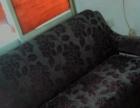 岳阳市五里牌转盘单位院内1室1斤带热水器家具岀租 1室1