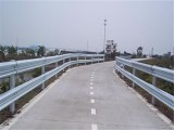 公路防撞板,高速公路护栏,波形护栏板,双波护栏板,波形梁护栏