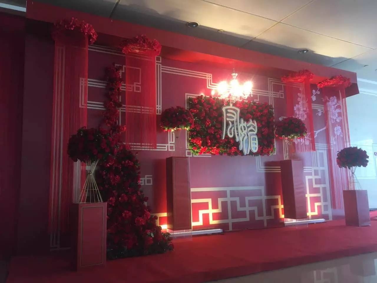 深圳婚礼现场搭建商光明婚礼搭建商光明婚庆道具出租深圳婚礼布置