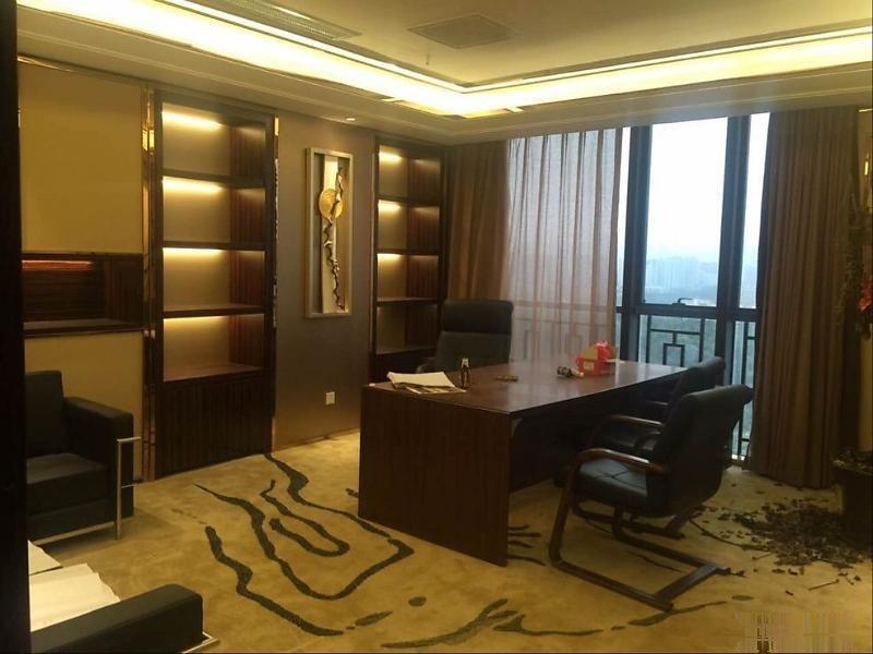 深大地铁口金融科技大厦豪装1250平带家私
