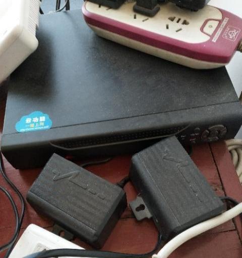 监控设备3个头一个硬盘