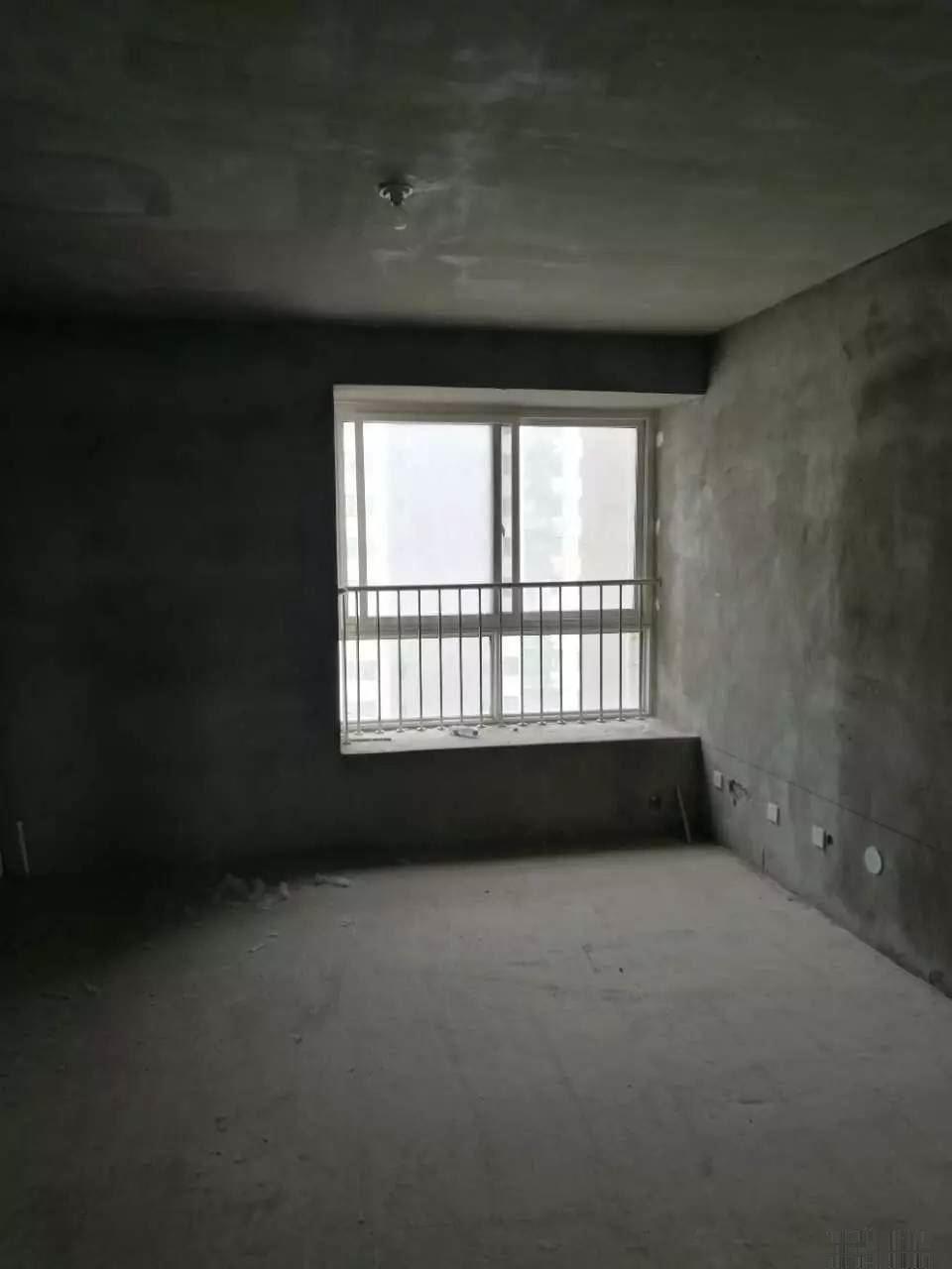 万正汉府48万包更名 114平精品户型三室两厅两卫毛坯房