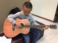 坪洲孩子学吉他,有学校学不到的优势