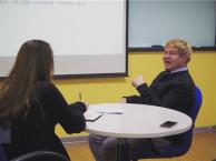 武汉新动态英语 英语自学和找培训机构到底有什么区别?