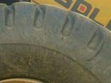 石材荒料叉裝車用抗扎刺的二手特種輪胎