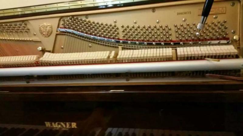 大连文体调率视频修钢琴_大连校本培训课程专业钢琴图片