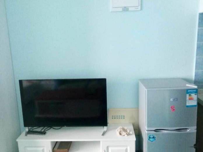 红旗广场 银泰财富广场 精装公寓 年底甩价出租