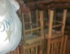 九成新实木餐桌四把实木椅子整套转让,共八套。