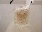 低价处理9成新婚纱礼服