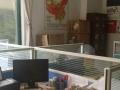 金墩大厦写字楼办公室,净房出租,担通分了两个经理室