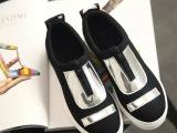 休闲时尚平底鞋 秋季新款时尚平底帆布鞋 低帮字母帆布粘胶鞋女