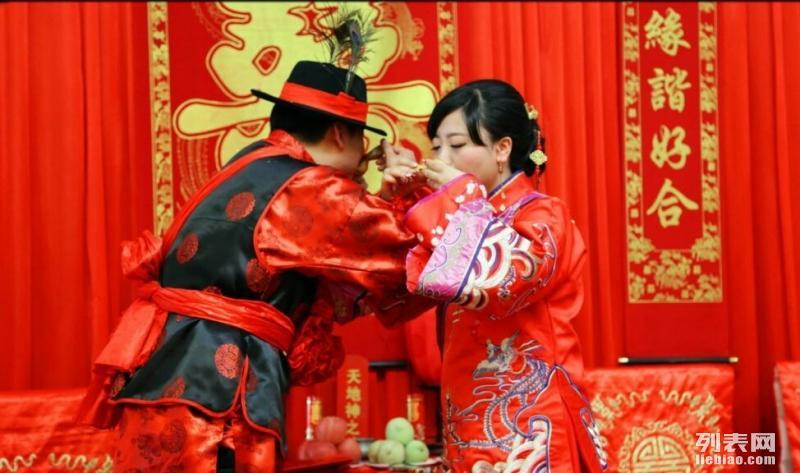 西安喜上花轿婚庆八抬大轿舞狮马匹唢呐乐队