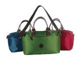 厂家促销韩版新款时尚大容量防水斜跨包krwinghouse妈咪包
