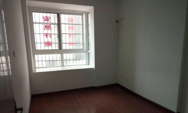 明珠广场精装办公房 交通便捷 中心地段 142平 随时看房