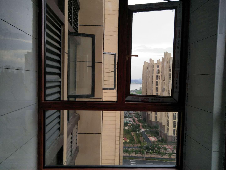 南昌封阳台,断桥铝门窗,阳光房,地弹门,金刚网纱窗等大小工程