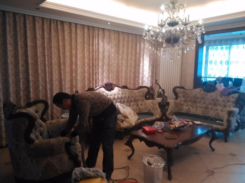 洛阳高端欧式中式布艺沙发清洗,我们真的很专业