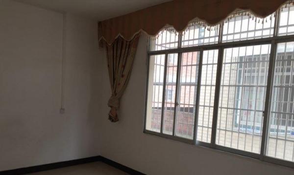 兴宾 柳来路市人民医院后门旁 1室 0厅 主卧