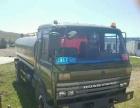 清洗车部队退役的军车改装的,洒水车。