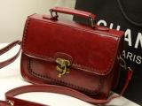 2013新款批发复古女包箱型手提斜挎包3色入锯齿花边邮差包