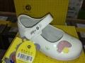 低价批发品牌尾货童鞋,低成本创业,适合店铺地滩专卖店