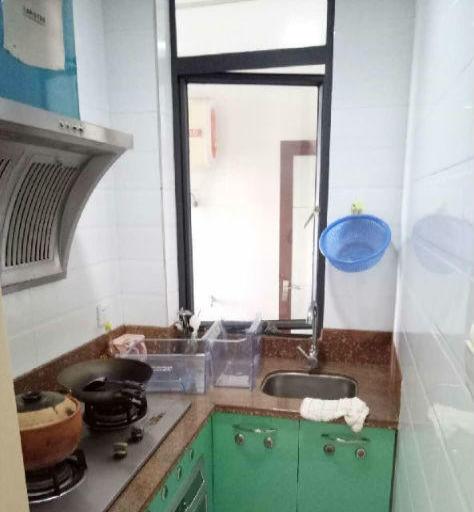 榕城金润公寓精装修1房1厅1厨拎包即住月租仅1700