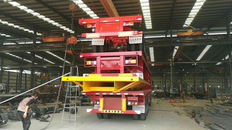 专业订做各种半挂车 钩机板 花篮 平板后翻自卸半挂车